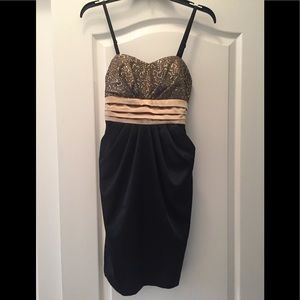 Black and Gold sequined Cocktail dress w/pockets